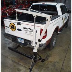 Ultra-Tow Hydraulic Hitch Mount Crane — 30in. - 84in. Lift Range, 1,000-Lb. Capacity | Truck Cranes| Northern Tool + Equipment