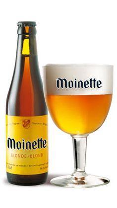Moinette blonde / Teneur en alcool : 8,5 % vol. La Moinette blonde est une bière de fermentation haute, refermentée en bouteille. Créée en 1955, cette bière est le fleuron de notre brasserie sur le marché belge. Son nom provient d'une déformation du vieux français « moëne » signifiant « marécage, lieu humide », caractéristique propre à notre région il y a plusieurs siècles. Il existait aussi un moulin et une cense de la Moinette à Tourpes, propriétés de la famille Dupont. A l'origine, cette…