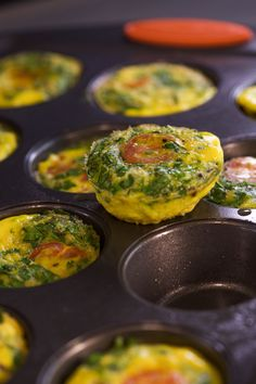 These mini spinach and tomato frittatas will help you stay healthy in 2016.