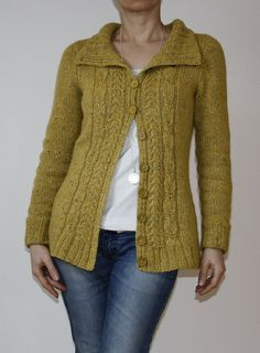 ducatista's version of 'Kittiwake' designed by Amy Herzog.  Some interesting mod notes on ducatista's Rav site.  Beautiful result and the pattern is a FREE download on Ravelry