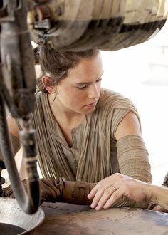 Daisy as Rey