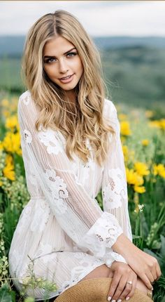 the gifts that keeps on bouncing early morning boobers be a bouncing Hot Country Girls, Pure Beauty, Beauty Women, Beauty Girls, Beauty Life Hacks Videos, Marina Laswick, Thing 1, Hair Videos, Couple