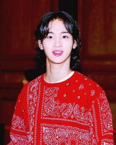 Kdrama Actors, Ulzzang Boy, Asian Boys, Cute Boys, Saree, Disney Princess, My Style, Dresses, Kpop
