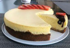 Cheesecake (fotorecept) - recept | Varecha.sk Cheesecake, Cheesecake Cake, Cheesecakes, Cheesecake Bars, Cherry Cheesecake Shooters, Cheesecake Pie