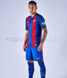 The players in the new shirt | FC Barcelona