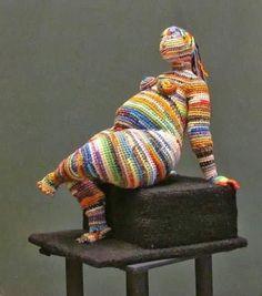 Yulia Ustinova, Russian artist who uses the art of crocheting to create figurative soft sculptures, often of women. Wow Knit Art, Crochet Art, Crochet Dolls, Textile Fiber Art, Textile Artists, Russian Crochet, Yarn Stash, Yarn Bombing, Freeform Crochet