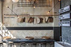 Otto e Mezzo bistro bar en Tesalonica. Retail Interior, Restaurant Interior Design, Commercial Design, Commercial Interiors, Bistro Bar, Bar A Vin, Cafe Concept, Pizzeria, Hotel Restaurant