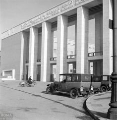 La Sapienza - Willem van de Poll - 1937 Fascist Architecture, Co Housing, Rome Travel, Bucharest, Bed And Breakfast, Old Photos, Beautiful Homes, City Photo, Aldo