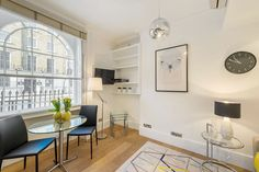 Junior One Bedroom apartment - Gloucester Place Marylebone.  A short walk to Baker Street, Marylebone Station, Regents Park, Lords Cricket Ground and the London Central Mosque.  Marylebone Village and the entire West End are within easy reach by foot, bus or tube.