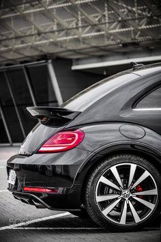 Volkswagen New Beetle, Beetle Car, Bmw E60, Love Car, Commercial Vehicle, Fiat 500, Vw Beetles, Dream Cars, Super Cars