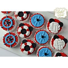 Nautical Mickey themed chocolate covered Oreos for Martin's 2nd birthday celebration!! ❤️⚓️ #nautical #mickeymouse #naticalmickey #chocolate #oreos #chocolatecoveredoreos #fondant #miami #miamioreos #miamibaker #bakedwithlove