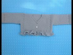 Knitted Baby Cardigan, Knit Baby Sweaters, Knitting For Kids, Baby Knitting, Knit Or Crochet, Crochet Baby, Bebe Baby, Baby Vest, Baby On The Way