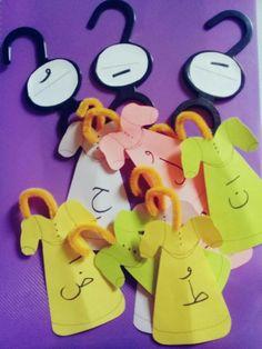 درس الحركات •° Arabic Alphabet Letters, Arabic Alphabet For Kids, Kids Learning Activities, Preschool Activities, Arabic Lessons, Arabic Language, Class Decoration, Learning Arabic, Kids Education