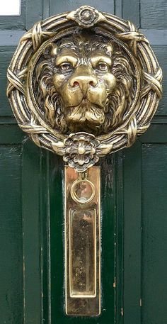 ˚Door knocker Recommended by http://www.londonlocks.com/ London Locksmiths