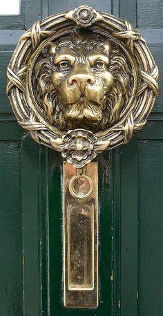 ˚Door knocker Recommended by http://www.londonlocks.com/ London Locksmiths
