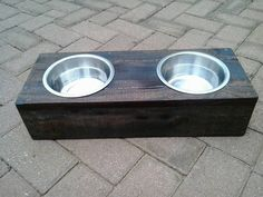 DIY Pallet Cat or Dog Bowls   101 Pallet Ideas