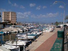 Der Yachthafen Club Náutico in El Arenal. Der große Seehafen bietet 660 Liegeplätze für Boote bis maximal 25 Metern Länge.