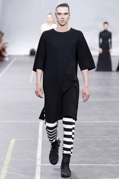 Y-3 Spring 2016 Menswear Collection Photos - Vogue