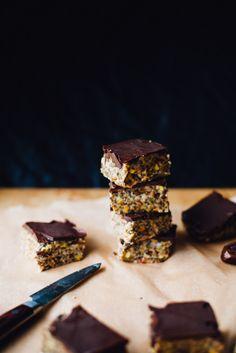 Hemp Tahini Date-Caramel Bars (Vegan, Gluten Free)