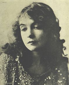 Lillian Gish in Le Panorama Magazine, 1921