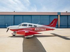 """N909MA is a beautiful 2019 Piper Archer LX in """"Like New"""" condition! Loaded with G1000 NXi Avionics, ADS-B I/O, PiperAire Air Conditioning, and much more! Piper Aircraft, Vinyl Floor Covering, Used Aircraft, Airplane For Sale, Engine Pistons, Usa Cities, Black Exterior, Archer, Conditioning"""