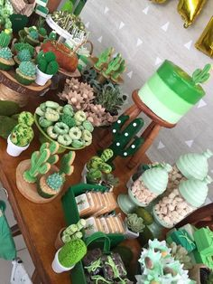 Cactus theme dessert table - Cactus theme dessert table You are in the right place about party ideen Here we offer you the most - Dessert Table, Dessert Bars, Cactus Cake, Cactus Cactus, Cactus Flower, Baby Cactus, Green Cactus, Cactus Food, Cactus Cupcakes