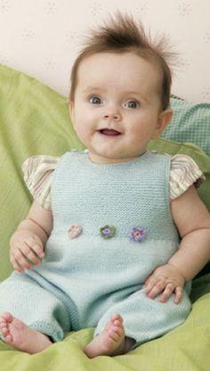 Strikket buksedragt til baby | Familie Journal