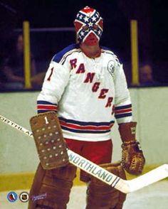Eddie Giacomin of the New York Rangers is such a badass with that Dixie mask. A true legend. Rangers Hockey, Blackhawks Hockey, Hockey Goalie, Hockey Players, Hockey Mom, Chicago Blackhawks, Stars Hockey, Ice Hockey Teams, New York Rangers