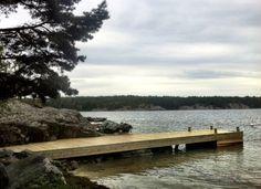 Brygga/Jetty på Norrö. Built by Red Mount AB and Sjoliv AB. Tel 0046700534688. janis@redmount.se janis@sjoliv.se www.sjoliv.se