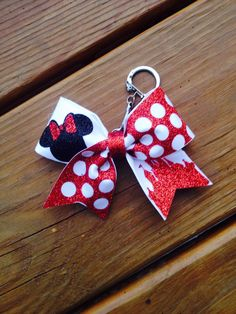 Minnie Mouse Red glitter Cheer Bow key chain by TheHairCandyShop Cheer Gifts, Cheer Mom, Team Gifts, Cheer Stuff, Cheerleading Gifts, Disney Bows, Disney Diy, Disney Cruise, Summit Cheer