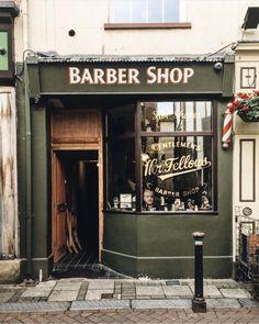 Name & shopfront salon w 2019 b Interior Design Gallery, Salon Interior Design, Interior Design Software, Salon Design, Barber Shop Interior, Barber Shop Decor, Hair Salon Interior, Best Barber Shop, Barbershop Design