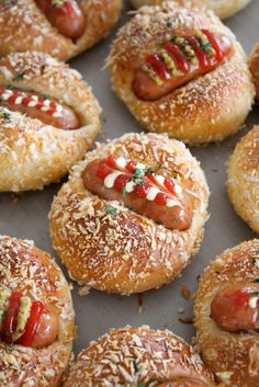Bread Shaping, Mini Cheesecakes, Bagel, Asian Recipes, Doughnut, Cooking, Desserts, Food, Projects