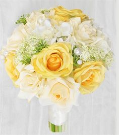 Are you wondering the best beach wedding flowers to celebrate your union? Here are some of the best ideas for beach wedding flowers you should consider. Yellow Rose Bouquet, Yellow Bouquets, Yellow Wedding Flowers, Cheap Wedding Flowers, Prom Flowers, Bridal Flowers, Yellow Roses, Yellow Cream, Purple Wedding