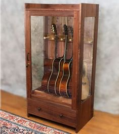 An increasing gallery of Nice Guitar Humidifier Cabinet Humidity Controlled Guitar Cabinet photos picked by Gloria Bryant, home improvement expert of. Guitar Display Case, Guitar Storage, Guitar Rack, Guitar Stand, Guitar Hooks, Home Music Rooms, Music Studio Room, Guitar Humidifier, Deco Studio