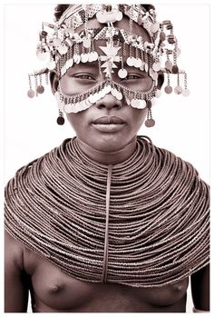 Northern Kenya II Beautiful Photography by John Kenny taken with Africa's remotest tribes. Fine art prints in black and white, also colour, are available to buy in signed, limited editions. Facing Africa: the book is out now Tribal Women, Tribal People, African Tribes, African Women, Kenya, John Kenny, Photography Gallery, African Culture, African Beauty