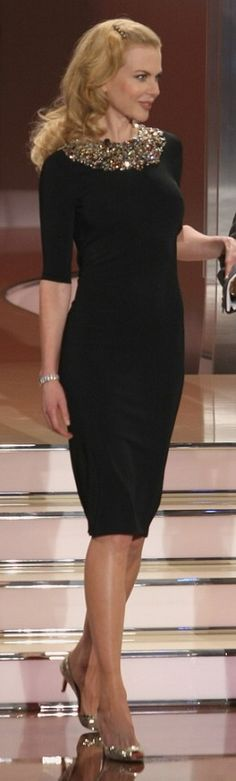 Nichole Kidman in a stunning and modest dress. See, it can be done, even by movie stars. Well said @Noelani Sanchez Porter