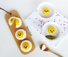 Good morning! Made some fun Gudetama desserts the other day, presenting my Gudetama pudding and Gudetama jelly. The jelly on the left is made with konnyaku jelly, the pudding on the right is made w…