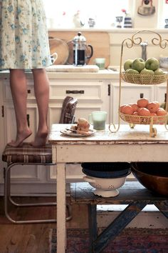 retro kitchen cuteness Country Kitchen, Country Life, Country Living, Country Charm, Country Style, Home And Deco, Farm Life, Farm House, Cheap Home Decor