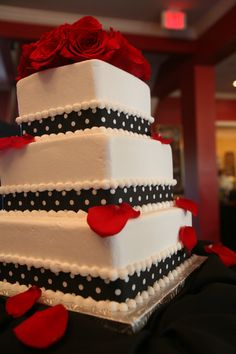 My black and white polka dot wedding cake!