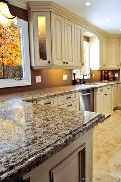 Traditional Antique White Kitchen Cabinets #12 (Kitchen-Design-Ideas.org)