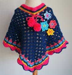 donkerblauwe poncho maat M - verkocht | Poncho's | Bellefien