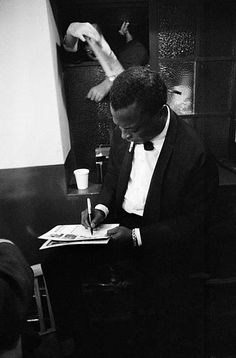 American jazz trumpeter Miles Davis - 1960 by John Bulmer/Getty Images All About Jazz, All That Jazz, Man Of Mystery, Wayne Shorter, Herbie Hancock, Soul Jazz, Miles Davis, Jazz Musicians, Jazz Blues