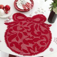Americano, occorrente Christmas Crochet Blanket, Christmas Crochet Patterns, Christmas Knitting, Blanket Crochet, Filet Crochet Charts, Crochet Diagram, Thread Crochet, Crochet Doilies, Homemade Blankets