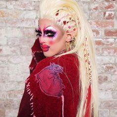 クリスタルメシッド| RuPaulのドラッグレースWiki | ファンダム Old Makeup, Drag Makeup, Crystal Method, Rupaul Drag Queen, Trixie And Katya, Queen Makeup, Love U Forever, Sheer Beauty, Season 12
