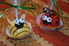 Ladybug and bumblebee cake pops by Eyeballs by Day, Crafts by Night