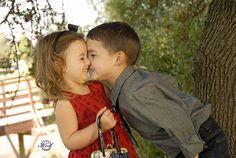 cutest kids, like ever. Cute Baby Couple, Cute Little Baby, Baby Love, Cute Babies, Old Couples, Cute Couples, Kids Kiss, Love Cartoon Couple, Cute Kiss