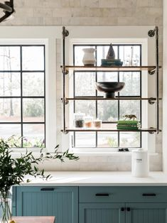 From open shelves in the kitchen to custom cabinetry in the master closet, HGTV Smart Home 2018 makes staying organized practically effortless. See how these different storage solutions clear up space and maximize functionality. - Home Decor Rustic Kitchen Decor, Home Decor Kitchen, Country Kitchen, Kitchen Ideas, Design Kitchen, Kitchen Industrial, Cheap Kitchen, Industrial Scandinavian, Nordic Kitchen
