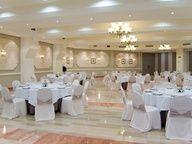 Salones de nuestro restaurante Azalea para celebraciones de bodas y banquetes.