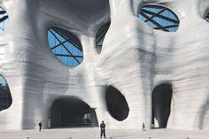 地球のものじゃないみたい…。そんなビルに入ってみたくありませんか? 上海新国際博覧中心(Shanghai Ne […]