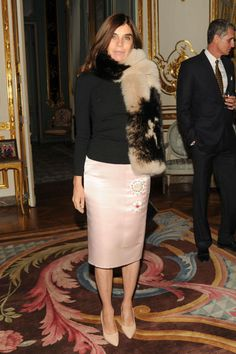 From her sultry sheer shirts, perfect pencil skirts and bodycon LBDsCarine Roitfeld constantly proves, the French do it better.